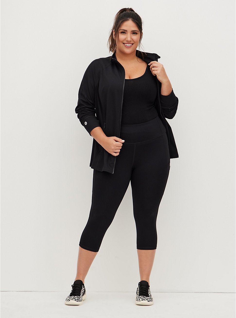 Black Wicking Capri Active Legging with Pockets, DEEP BLACK, hi-res