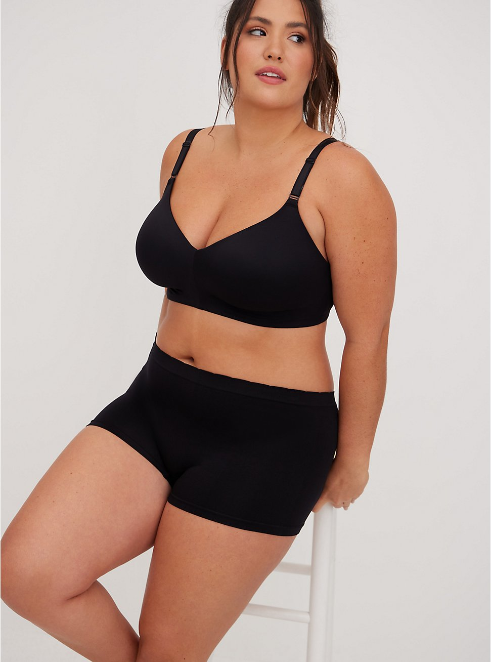 Black 360° Back Smoothing™ Lightly Lined Everyday Wire-Free Bra, RICH BLACK, hi-res