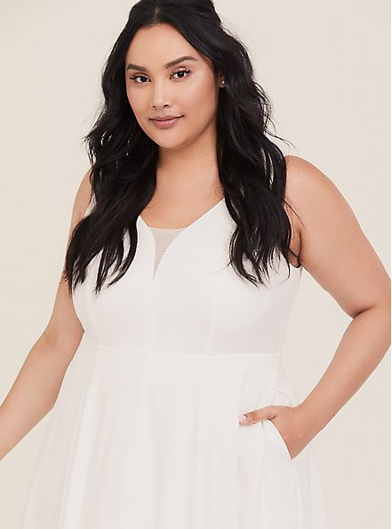 Plus Size Special Occasion Ivory Jacquard Sweetheart Gown, CLOUD DANCER, alternate