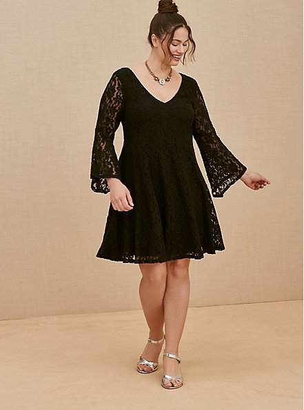 Plus Size Black Lace Bell Sleeve Fluted Mini Dress, DEEP BLACK, alternate