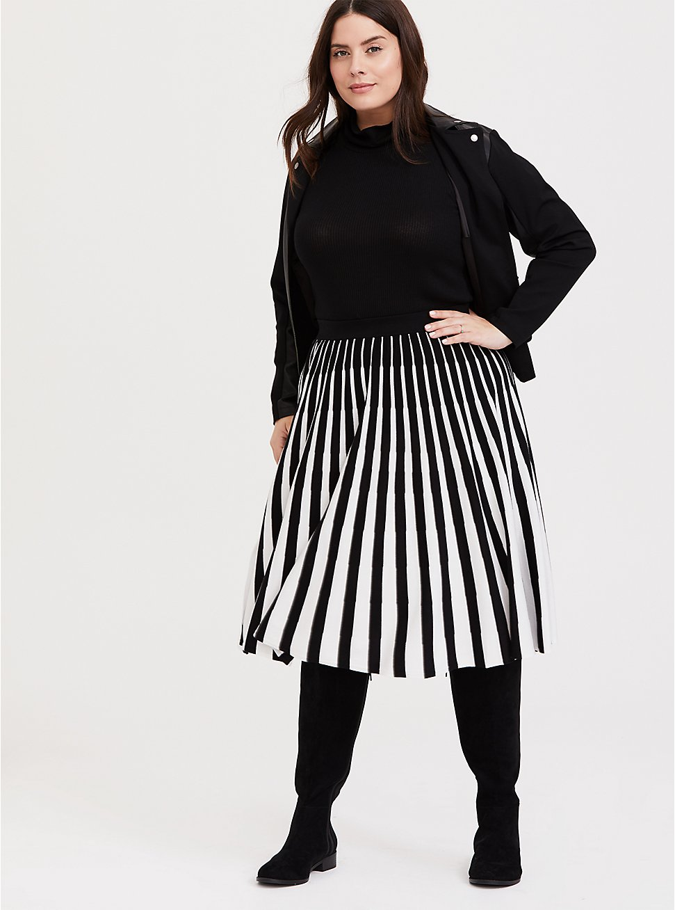 Black & White Stripe Sweater-Knit Pleated Midi Skirt, DEEP BLACK, hi-res