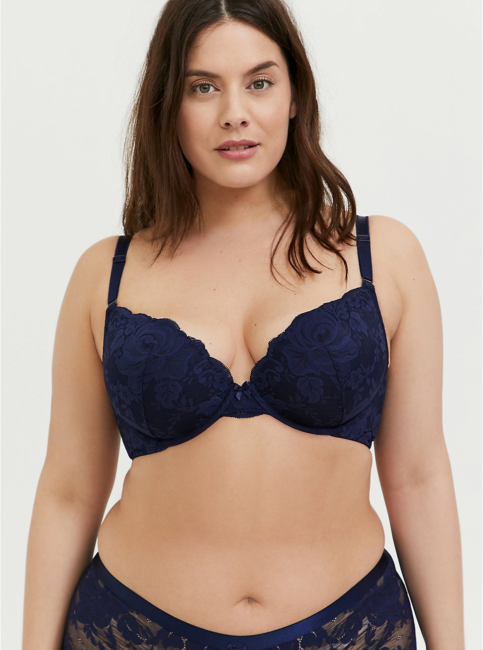 Plus Size Navy Lace 360° Back Smoothing™ Push-Up Plunge Bra, , hi-res