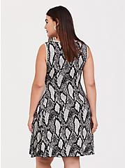 Plus Size Black Snakeskin Print Sweater-knit Trapeze Dress, SNAKE - GREY, alternate