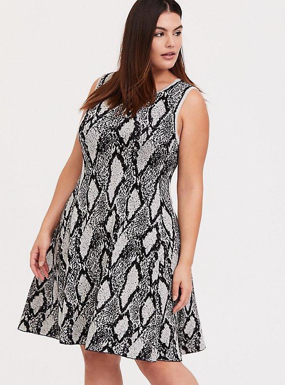 Plus Size Black Snakeskin Print Sweater-knit Trapeze Dress, , hi-res