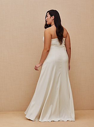 Plus Size Ivory Satin Strapless Sweetheart Fit & Flare Wedding Dress, CLOUD DANCER, alternate