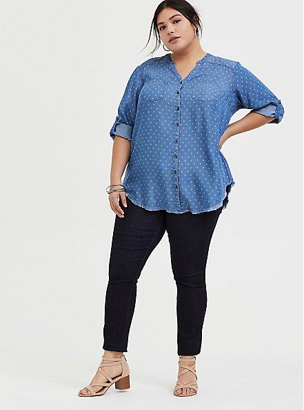 Plus Size Denim Button-Front Raw Hem Tunic Shirt, MEDIUM BLUE WASH, alternate