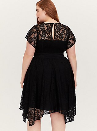 Plus Size Black Lace Flutter Sleeve Handkerchief Midi Dress, DEEP BLACK, alternate