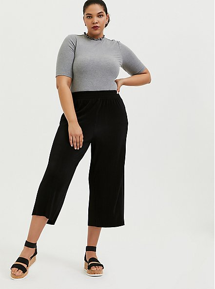 Plus Size Black Plisse Pleated Culotte Pant, DEEP BLACK, alternate