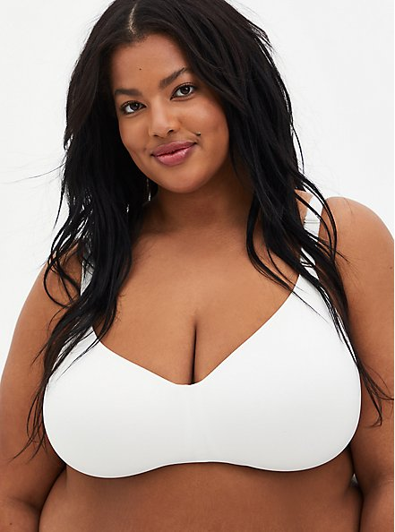 Plus Size White 360° Back Smoothing ™ Lightly Lined Everyday Wire-Free Bra, CLOUD DANCER, hi-res