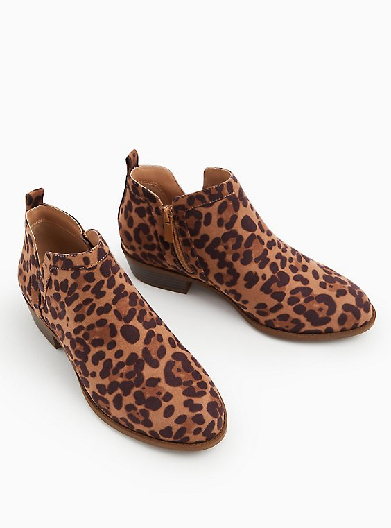 Leopard Print Faux Suede V-Cut Ankle Boot (WW), ANIMAL, ls