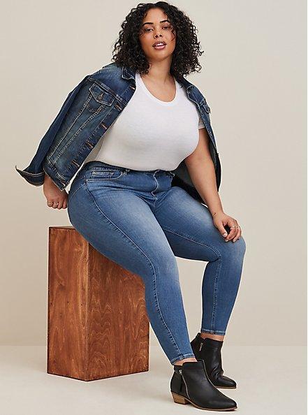 Bombshell Skinny Jean - Premium Stretch Medium Wash, HEARTTHROB, hi-res