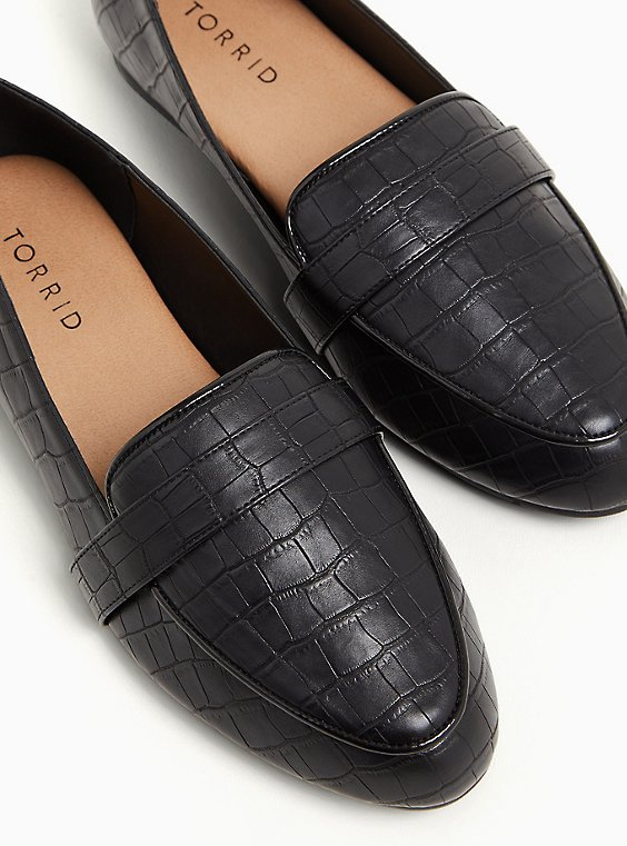 Plus Size Black Faux Crocodile Leather Loafer (WW), BLACK, hi-res