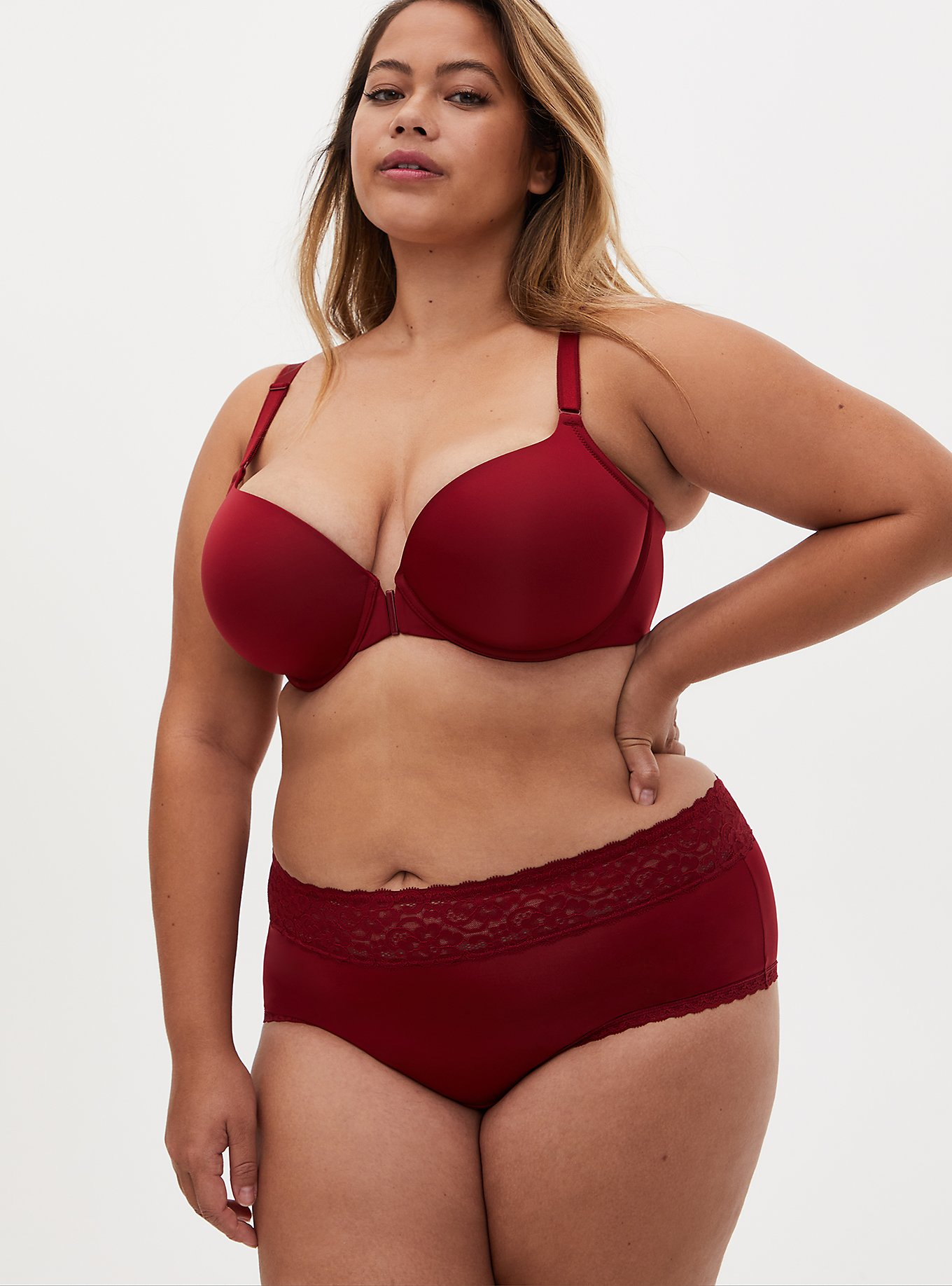 Red 360 Back Smoothing™ Lightly Lined Everyday Wire-Free Bra and Cheeky Panty, , hi-res