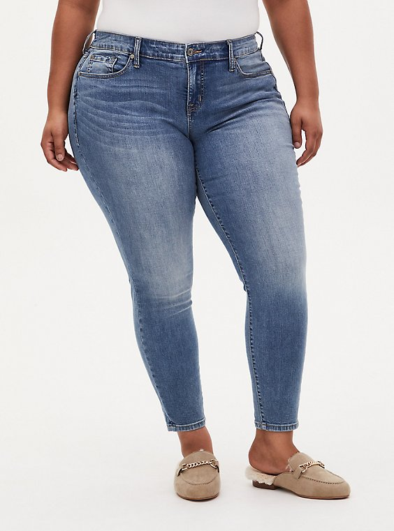 Mid Rise Skinny Jean - Vintage Stretch Medium Wash, KIKI, hi-res