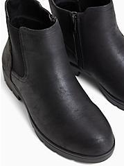 Plus Size Black Oiled Faux Suede Chelsea Lug Bootie (WW), BLACK, alternate