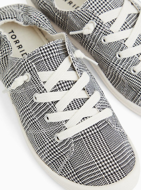 Plaid Ruched Sneaker (WW), BLACK  WHITE, hi-res