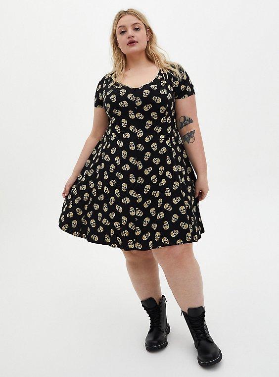 Plus Size Black Skulls Stretch Challis Button Dress, , hi-res