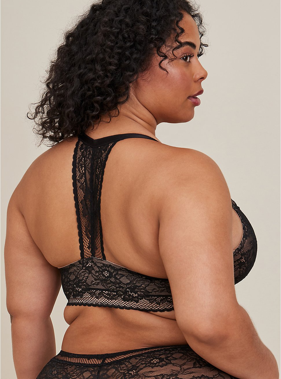 Black Lace Lightly Lined Front Closure T-Shirt Bra, , fitModel1-hires