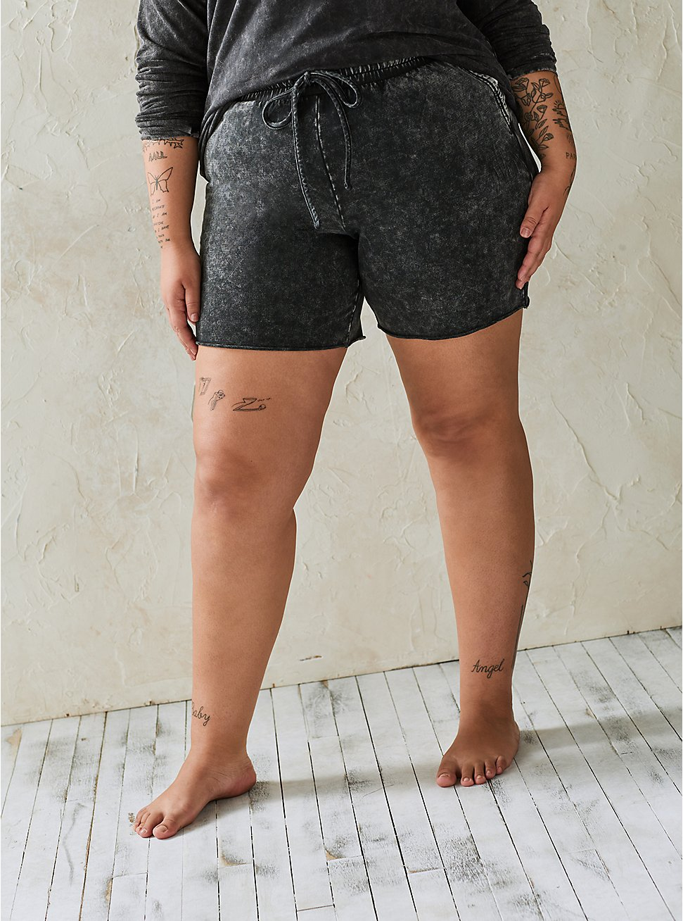 Black Washed Raw Hem Active Short, TIE DYE, hi-res