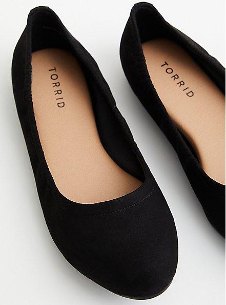Plus Size Black Faux Suede Scrunch Ballet Flat, BLACK, hi-res